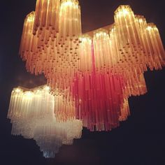 Love the amazing Venini chandeliers @dimoregallery ...#bonvoyageinterieur #milan…
