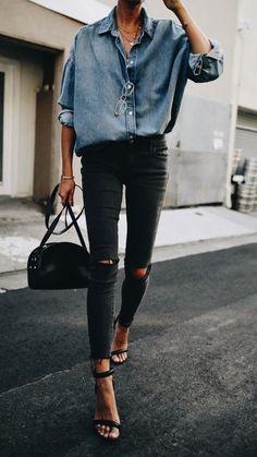 Casual chic chambray shirt with black heels, handbag and distressed denim jeans. Casual chic chambray shirt with black heels, handbag and distressed denim jeans. Mode Outfits, Casual Outfits, Rock Chic Outfits, Heels Outfits, Look Camisa Jeans, Look Fashion, Winter Fashion, Womens Fashion, Ladies Fashion
