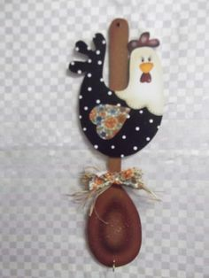 Colher decorada galinha pacht | Artesanatos Ingrid Carvalho | 16E50E - Elo7