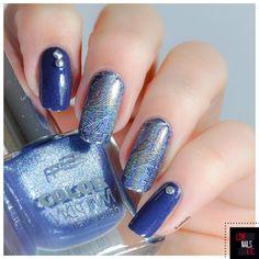 Nail art réaliser avec nos plaques a stamping !  photo de notre partenaire Lovenailsetc