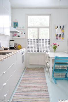 ruokapöytä,valkoinen,keittiö,räsymatto