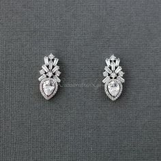 Shop our sale section to save on your beautiful wedding hair accessory. Diamond Earrings Indian, Platinum Earrings, Diamond Earing, Diamond Jewellery, Gold Earrings Designs, Necklace Designs, Jewelry Design Drawing, Diamond Tops, Designer Earrings