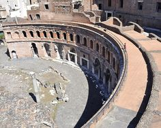 Interesting view of Trajan's Market (100-110 CE) Rome showing the perfect sweep of the semicircular facade. The complex included a covered market, small shop fronts and a residential apartment block.