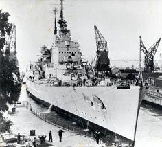 HMS Vanguard docking Hms Vanguard, Uss Iowa, Heavy Cruiser, Capital Ship, Navy Ships, Royal Navy, War Machine, Battleship, Warfare