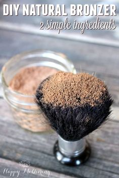 Homemade makeup is so much more affordable than store bought natural makeup! Learn how to make an easy DIY Natural Bronzer with two simple pantry ingredients. DIY makeup How Make a Simple DIY Natural Bronzer Best Natural Makeup, Natural Make Up, Natural Skin Care, Natural Beauty, Natural Makeup Products, Organic Makeup, Mac Cosmetics, Homemade Cosmetics, Homemade Bronzer