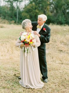 The cuteness overwhelm-ith! Grandparents Have The Sweetest Photoshoot To Celebra… The cuteness overwhelm-ith! Grandparents Have The Sweetest Photoshoot To Celebrate 63 Years Of Being In Love 60 Wedding Anniversary, Anniversary Photos, Old Couples, Cute Couples, Elderly Couples, Growing Old Together, Everlasting Love, Grandparents, Photography Poses