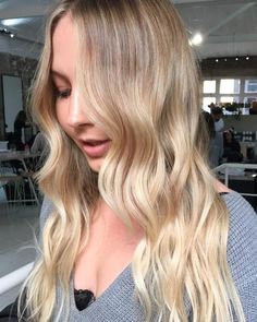 Buttery #blonde! Colour combination using #highlights and #freehand. Colour by @hayden_edwardsandco  shape and styling by @dane_edwardsandco.  #edwardsandco #edwardsandcosurryhills
