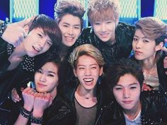 Happy #4YearswithINFINITE to our 7 wondrous boys! ^^ #인피니트 pic.twitter.com/Py5NF0fSrc