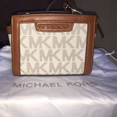 Cross body mini Selma Like new looking to trade or partial trade let me know what u have comes with dust bag Michael Kors Bags Crossbody Bags