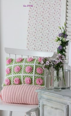 Almohadas - Hermosa Granny flores almohada - Una Pieza de Diseño de bleuetrose s DaWanda