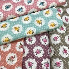 Renkli Peçete Poplin Kumaş isimli ürünümüzü sitemizden satın alabilirsiniz.En 240 cm metreleri 12.50 %100 pamuklu çarşaflık kumaşlardır. #intaslar #kumaş #poplin #poplinkumaş #pamuklu #pamuklukumaş