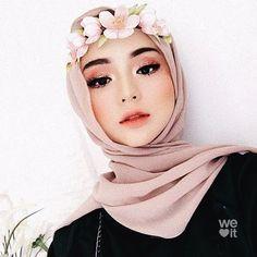 Beautiful Hijab Girl, Beautiful Muslim Women, Casual Hijab Outfit, Hijab Chic, Muslim Fashion, Hijab Fashion, Simple Prom Makeup, Hijab Makeup, Hijab Style Tutorial