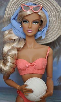 "'Malibu' Barbie in ""Point of Departure Eugenia's"" swimsuit Barbie I, Barbie World, Barbie And Ken, Barbie Clothes, Malibu Barbie, Pretty Dolls, Beautiful Dolls, Beautiful Images, Fashion Royalty Dolls"