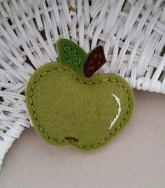 Wool Felt Green Apple  Apple Snap Hair Clip  от BerryCoolDesigns