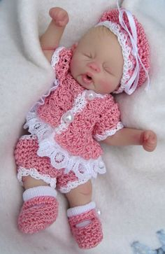 Polymer clay, cute baby ,I hate the outfit.