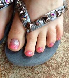 Beautiful Coral Glitter Ombre Toes!