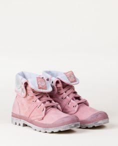 us baggy w f, Chaussures montantes en textile, P-L-D-M by Palladium. Baskets, Baggy, Textiles, Inspiration Mode, Shoe Boots, Shoes, Nike Huarache, Leg Warmers, Tights