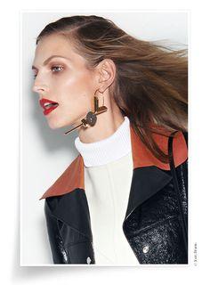 Bijoux mode de l'automne-hiver 2014-2015 http://www.vogue.fr/diaporama/bijoux-mode-de-l-automne-hiver-2014-2015-boucle-d-oreille-louis-vuitton-celine/21537