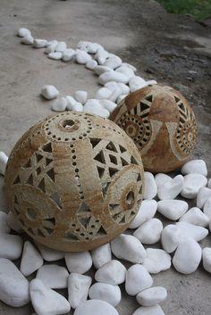 ......zůstaly nám kraslice.............pomooooc / Zboží prodejce zu straková | Fler.cz Slab Pottery, Ceramic Pottery, Pottery Art, Ceramic Lamps, Ceramic Texture, Clay Texture, Cement Art, Pottery Techniques, Ceramics Projects