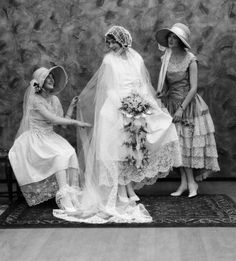 forties-fifties-sixties-love:  Wedding 1920s