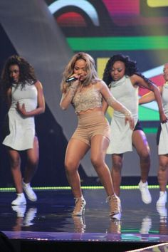 Bucie opening the 2015 MAMA'S