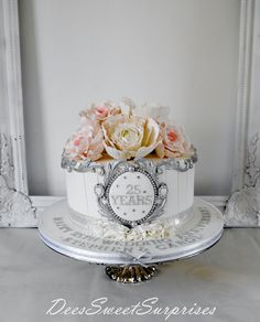 Deessweet Surprises Simple Cake for you 25th Wedding Anniversary Cakes, Silver Anniversary, Wedding Cakes, Anniversary Ideas, Parents Anniversary, Gorgeous Cakes, Pretty Cakes, Single Tier Cake, Occasion Cakes