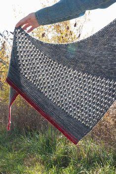 Ravelry: Red Moon Rising Shawl pattern by Kelene Kinnersly Knit Or Crochet, Crochet Shawl, Crochet Vests, Crochet Cape, Crochet Edgings, Crochet Granny, Crochet Motif, Knitted Shawls, Crochet Scarves