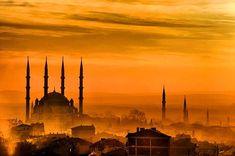 Mimar Sinan'ın ustalık eseri; Selimiye Camii... Mosque Architecture, Ottoman Empire, Monument Valley, Taj Mahal, Islam, City, World, Building, Places