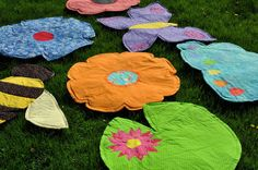 Huge flowers/bugs/spring stuff mats to sit on Projects For Adults, Sewing Projects For Kids, Sewing For Kids, Crafts For Kids, Diy Crafts, Airplane Activities, Outdoor Activities For Kids, Spring Activities, Play Mats