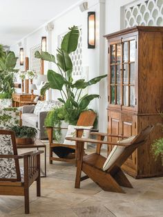 the style saloniste: Flying Down to Rio: The Belmond Copacabana Palace Hotel in Rio de Janeiro Dazzles with Classic Glamour, Elegance and Spirit Tropical Bedrooms, Tropical Home Decor, Tropical Interior, Tropical Houses, Estilo Tropical, Tropical Style, Modern Tropical, Bar Piscina, Copacabana Palace