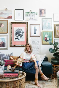 Tour a Bohemian, Vintage-Inspired Office Space in Dallas – The Everygirl Dallas-based small-business owner Brittany Cobb is a rare find. A journalist by trade, she first cut her teeth as a Eclectic Modern, Eclectic Decor, Eclectic Gallery Wall, Eclectic Artwork, Inspiration Wall, Interior Inspiration, Pattern Wall, Home Decoracion, Design Apartment