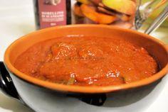 Nella cucina tradizionale, non poteva mancare la carne di daino in umido, molto buona e saporita. Dalla tradizione toscana viene anche questo piatto, il daino in salsa, un piatto particolare per la carne usata, preparato principalmente sull'appennino. La mia versione richiede un pò di salsa in più r