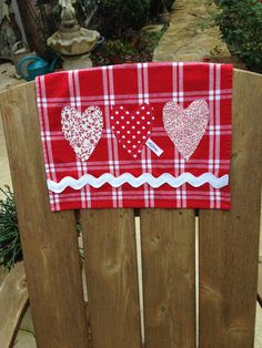 BEAUTIFUL VALENTINE HEART appliqued towel for the kitchen or bath. Dish Towel, Hand Towel or Hostess Gift.