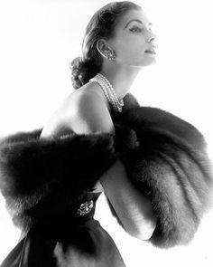 Suzy Parker, photo by Horst P. Horst, 1954