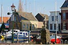 ... op de vissersschepen vroeger in Middelharnis. Foto(c)Joop Grootenboer