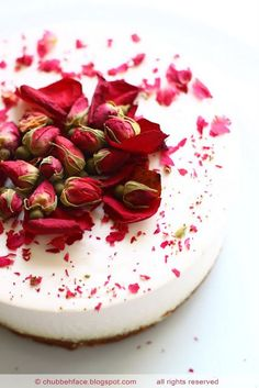 #Rose Tea Cheesecake_topped with dried rose petals and dried rose buds