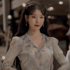 Iu Short Hair, Iu Hair, Blackpink Photos, Girl Photos, My Girl, Cool Girl, Luna Fashion, Ulzzang Korean Girl, Girl Photo Poses