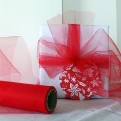 Red Tulle | 4 Holiday Gift Wrapping Ideas