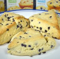 These Chocolate Chip Scones are wonderfully tender, lightly sweetened and perfect alongside a cup of coffee for breakfast or dessert. Jiffy Mix Recipes, Baking Recipes, Dessert Recipes, Eggless Desserts, Scone Recipes, Blueberry Scones, Homemade Chocolate, Vegetarian Chocolate, Sweet Bread