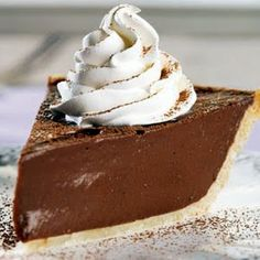 A blast from the past this Classic Chocolate Cream Pie has survived the test of time. If you like chocolate, you'll love these sweet chocolatey treats! Chocolate Pie Recipes, Cocoa Recipes, Chocolate Pies, Chocolate Cream, Vegan Chocolate, Macarons Chocolate, Chocolate Pavlova, Chocolate Crinkles, Thm Recipes