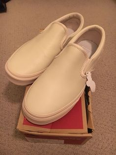 Selling a brand new in box vans classic slip on shoe in leather mono  whisper pink aka millennial pink - size 7 in women s or men s size 2a8033d5a