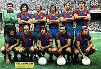 F. C. BARCELONA - Barcelona, España - Temporada 1976-77 - Mora, Ramos, Neeskens, Amarillo, Costas y Migueli; Heredia, Marcial, Cruyff, Asensi y Rexach - F. C. BARCELONA 3 (Marcial, Cruyff y Heredia), REAL MADRID 1 (Pirri) - 19/09/1976 - Liga de 1ª División, jornada 3 - Barcelona, Nou Camp - El Barcelona fue 2º en la Liga, con Rinus Michels de entrenador
