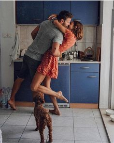Healthy relationships are based upon each person having a relationship with him-or-herself. The relationship with the self is the basic building block of a relationship. Cute Couples Goals, Couples In Love, Romantic Couples, Romantic Gifts, Cute Relationship Goals, Cute Relationships, Couple Relationship, Cute Couple Pictures, Love Couple