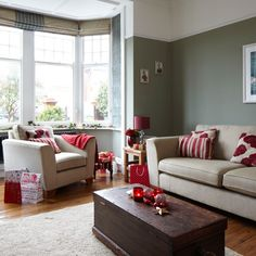 Beige living room grey and red festive living room traditional decorating ideas ideal home beige living Black And Red Living Room, Beige Living Rooms, Living Room Red, Living Room Color Schemes, Living Room Colors, Living Room Decor, Living Area, Cheap Living Room Sets, Christmas Living Rooms