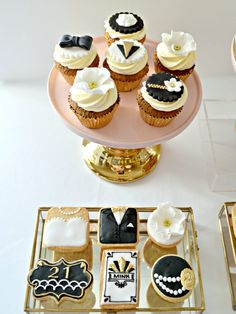 Gold, Black and White Gatsby Themed Black Art Deco Cake, Cupcakes, Cookies and Cake Pops Cake Desserts Table Birthday Party Cherie Kelly London 2 Tier Birthday Cakes, Dessert Table Birthday, Gold Birthday Cake, Dessert Tables, 21st Birthday, Birthday Ideas, Great Gatsby Party Decorations, Black Dessert, Art Deco Cake