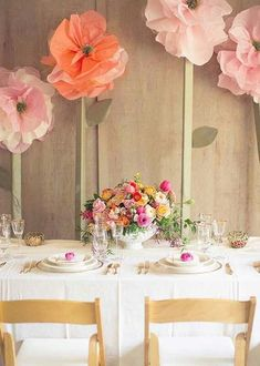 Getting ready for your bridal shower? Ah, spring showers are so adorable! Spring is the time when everything is in blossom, there are lots of sunlight and it's so cool to stay outside, so a spring bridal shower is an event full of romance and fresh flowers...