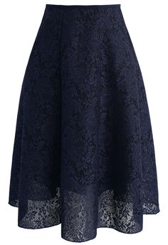 A bomb take on the classic navy skirt always leaves us crushing hard! This Blooming Romance serves up loads of elegance and femininity with its floral lace. - Floral pattern - Honeycomb airy fabric finished - Elastic waist - Concealed back zip closure - Lined - 100% polyester - Hand wash Size(cm)Length Waist S/M 64 64-74 Size(inch)Length Waist S/M 25 25-29 ...