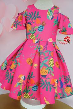 Vestido Infantil Pink Araras Mon Sucré Baby African Clothes, African Dresses For Kids, Latest African Fashion Dresses, Girls Frock Design, Baby Dress Design, Kids Dress Wear, Kids Gown, Baby Frocks Designs, Kids Frocks Design