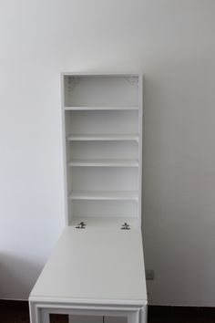 escritorio mesa plegable pared con espacio de guardado