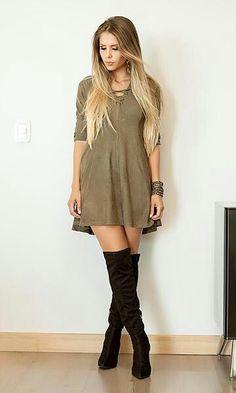 Vestido suede com bota over knee